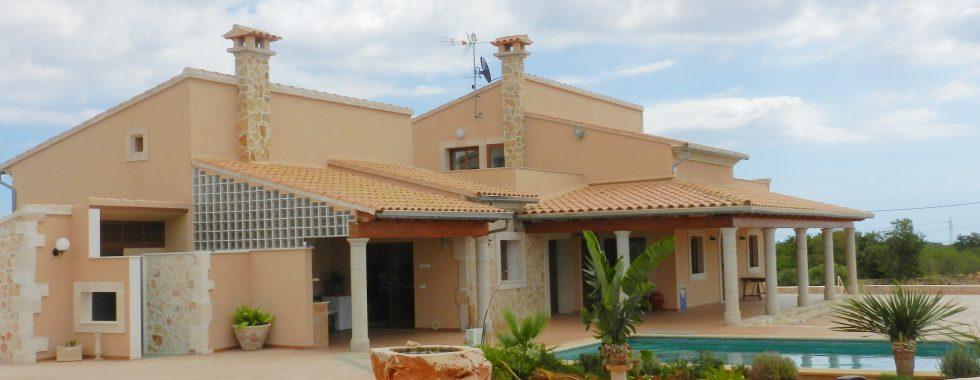 Neubaufinca mit Pool bei Calonge   —     F 207 KN
