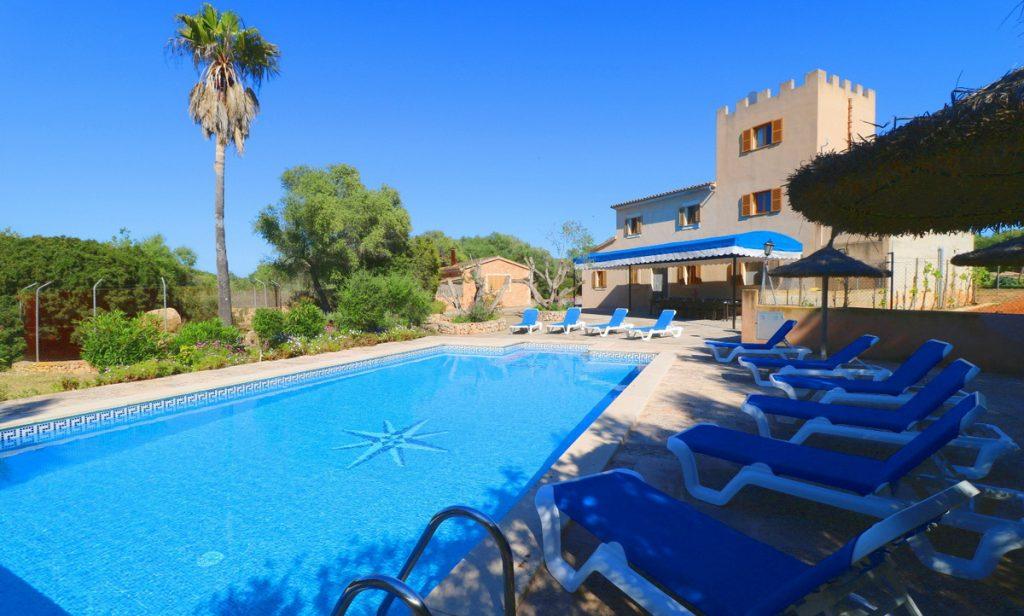 Winterseason Nice Finca With Pool Between Campos Und