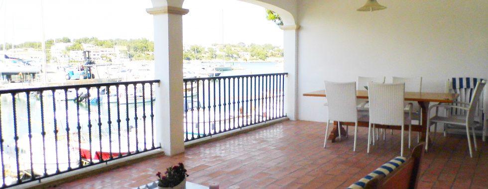 Winter+ Nebensaison: Wohnung in erster Linie des Hafens von Porto Petro — AP 04 T
