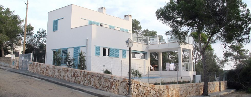 Neuerbautes Chalet mit Pool in Cala LLombards — CH 127